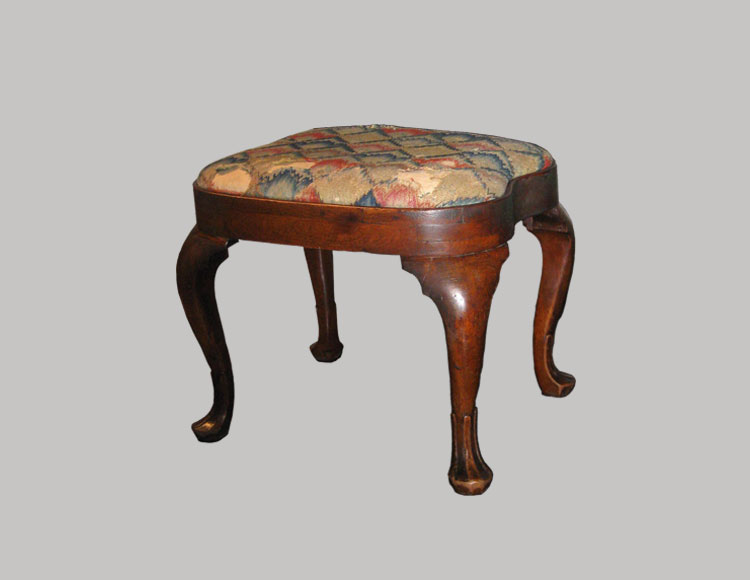 Philadelphia Queen Anne Compass-Seat Stool
